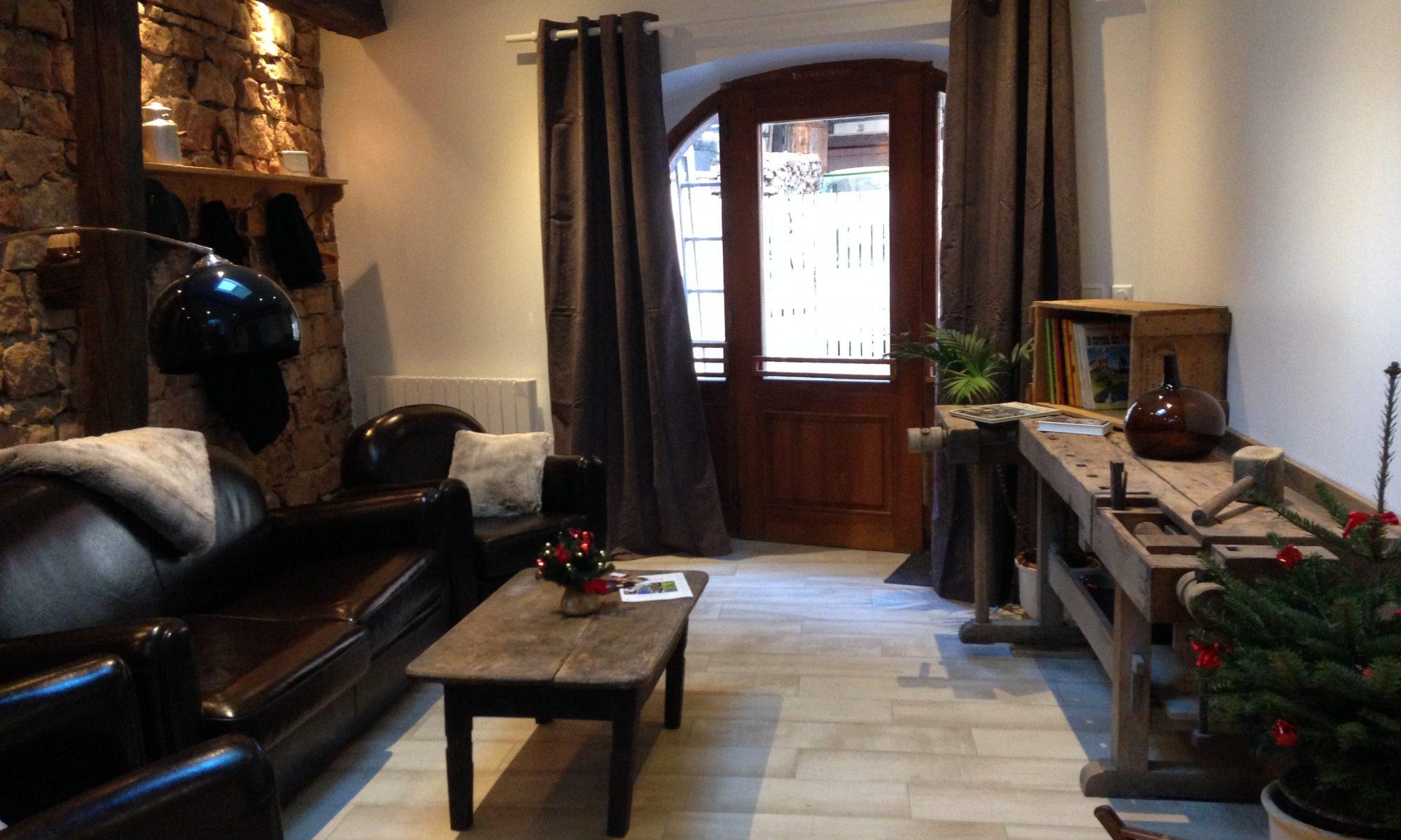 not 4 7 5 sur airbnb gite le 1950 location de vacances en alsace. Black Bedroom Furniture Sets. Home Design Ideas